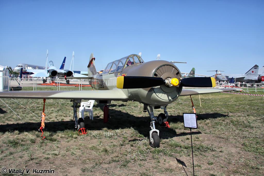 Як-52 (Yak-52)