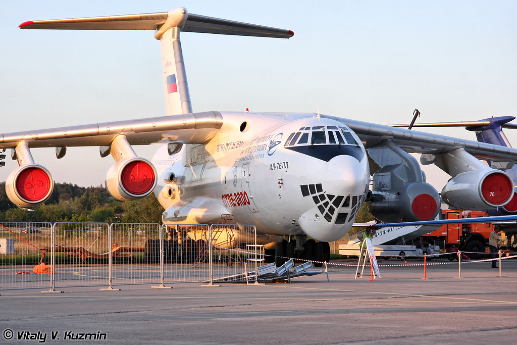 Ил-76ЛЛ с индийский двигателем Kaveri (IL-76LL flying testbed with indian engine Kaveri)