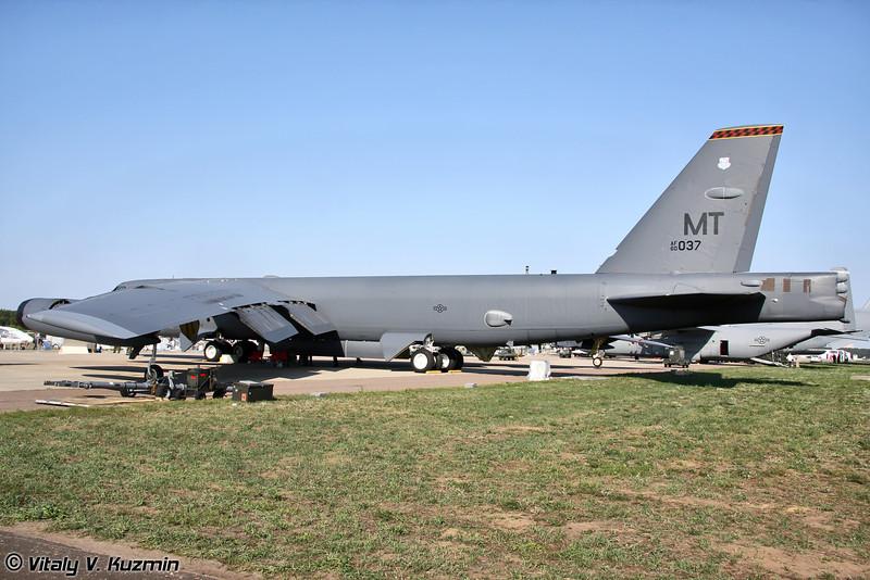 B-52H Stratofortress 69-й бомбардировочной эскадрильи 5-го бомбардировочного крыла, авиабаза Minot, Северная Дакота (B-52H Stratofortress from 69th Bomb Squadron 5th Bomb Wing, Minot AFB, North Dakota)