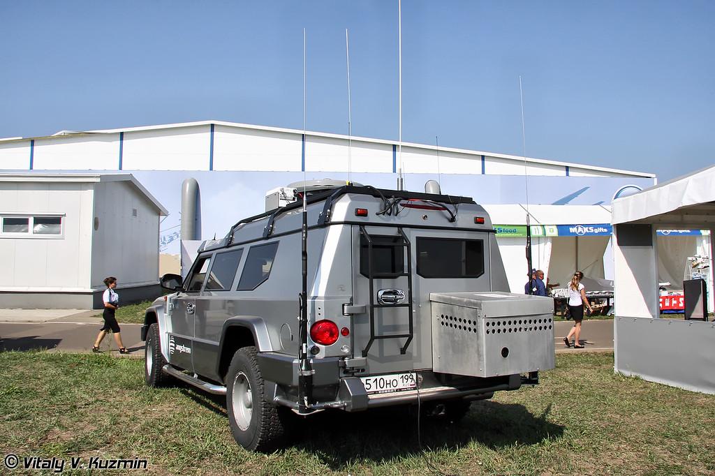 Мобильный узел связи на базе Т98 Комбат (Mobile communications center on T98 Kombat base)