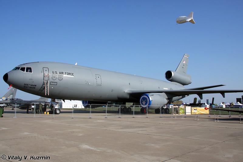 KC-10A Extender 32-й топливозаправочной эскадрильи 305-го транспортного крыла, авиабаза McGuire, Нью-Джерси (KC-10A from 32d Air Refueling Squadron 305 Air Mobility Wing, McGuire AFB, New Jersey)