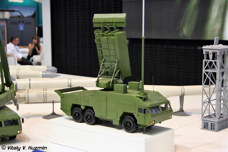 Станция обнаружения и целеуказания 9С18М1Э на колесном шасси МЗКТ-6922 из состава ЗРК 9К317Э Бук-М2Э (9S18M1E radar on MZKT-6922 chassis from 9K317E Buk-M2E missile system)