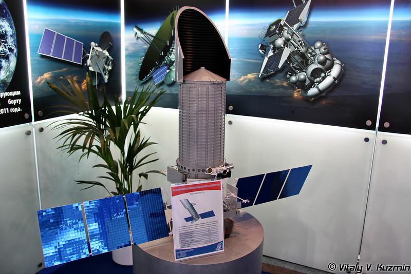 Международная астрофизическая обсерватория с космическим телескопом Спектр-УФ, масштаб 1:10 (Spektr-UF space telescope from World Space Observatory-Ultraviolet program, scale 1:10)