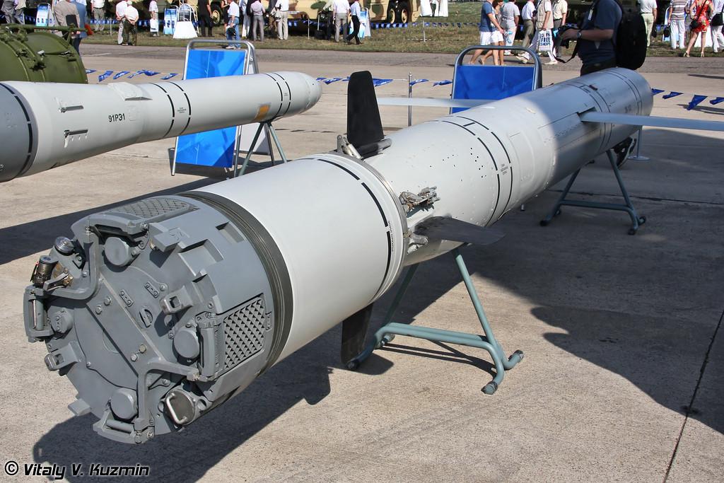 Ракета 3М-14Э для вооружения подводных лодок из состава интегрированной ракетной системы Калибр-ПЛЭ/Club-S предназначена для уничтожения наземных целей (3M-14E submarine launched land attack cruise missile from Kalibr-PLE/Club-S system)
