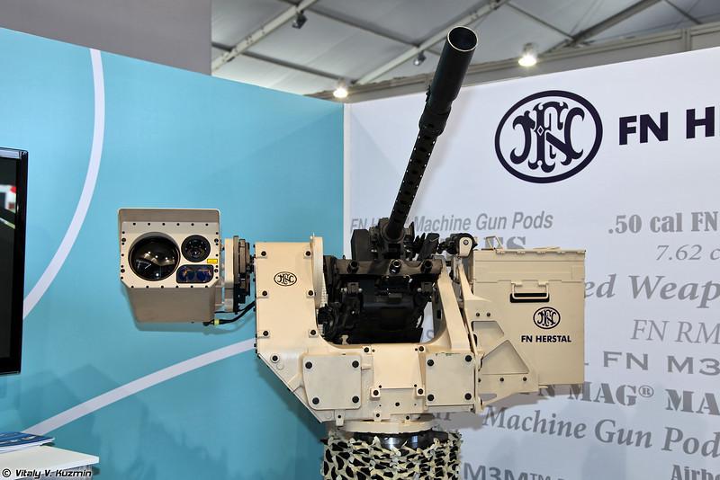 Боевой модуль deFNder компании FN Herstal c пулеметом .50 калибра FN M3R (deFNder remote weapon station with .50 cal FN M3R machine gun)