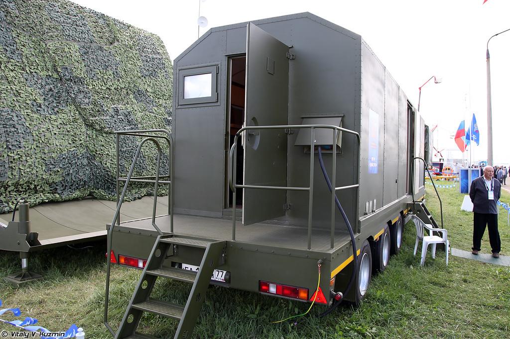 Мобильная специализированная РЛС Демонстратор (Demonstrator radar system)<br /> Командно-вычислительный пункт РЛС Демонстратор (Command post)