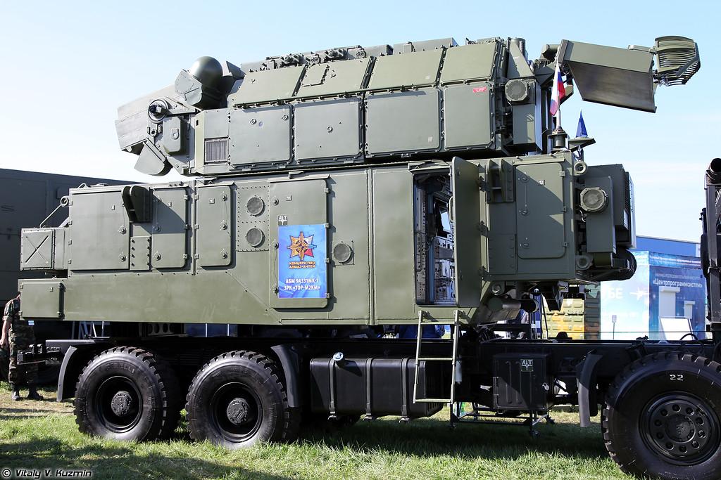 Автономный боевой модуль 9А331МК-1 из состава ЗРК Тор-М2КМ на шасси ТАТА (9A331MK-1 autonomous combat module from Tor-M2KM system on TATA chassis)