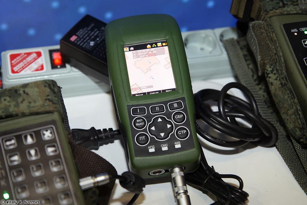 Носимый приемоиндикатор НПИ2 для солдата (Soldier device NPI2)