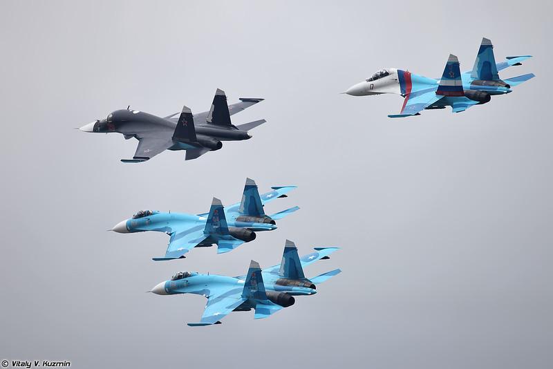 Проход Су-34 и пилотажной группы Соколы России (Flypast of Su-34 and Falcons of Russia)
