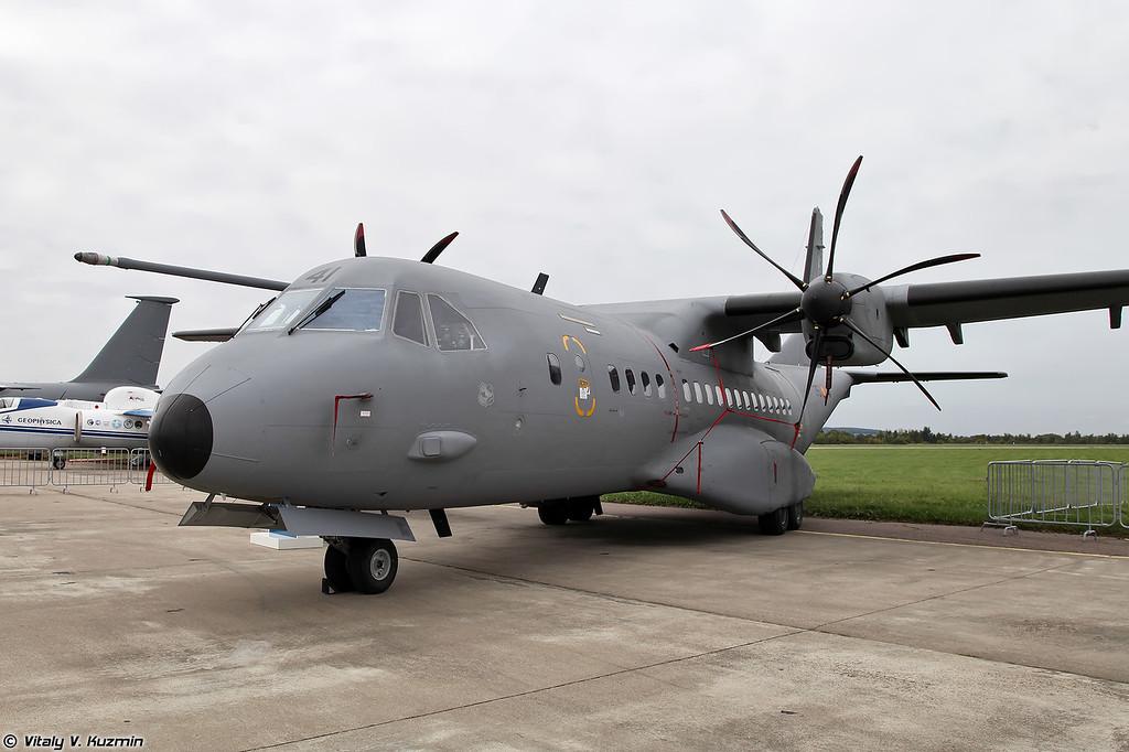 EADS CASA C-295