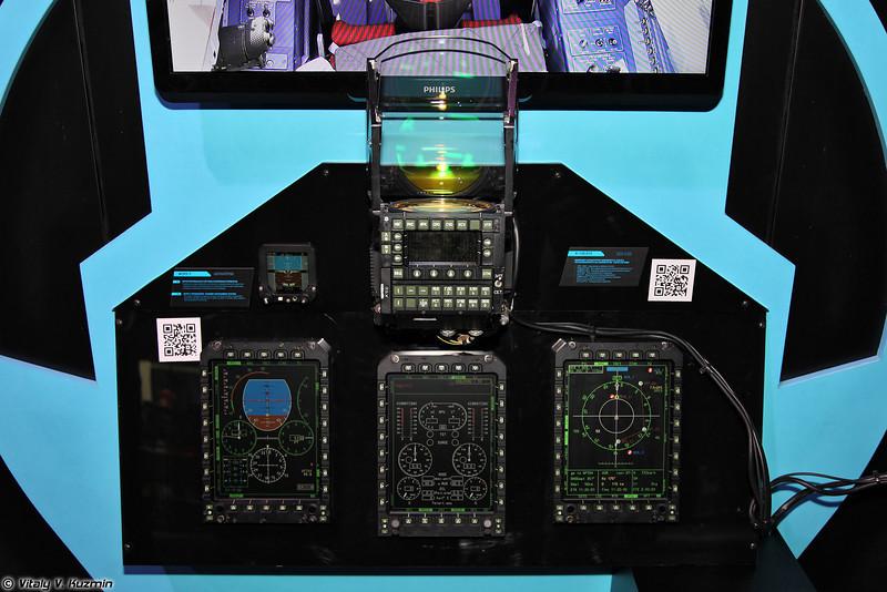 Комплект аппаратуры из состава комплекса бортового оборудования К-130.01 для самолета Як-130 (Parts of Yak-130 aircraft control and management system K-130.01)