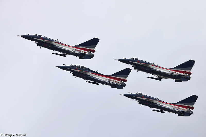 Пилотажная группа 1 августа ВВС НОАК  (PLAAF Aerobatic team August 1st - J-10 aircraft)