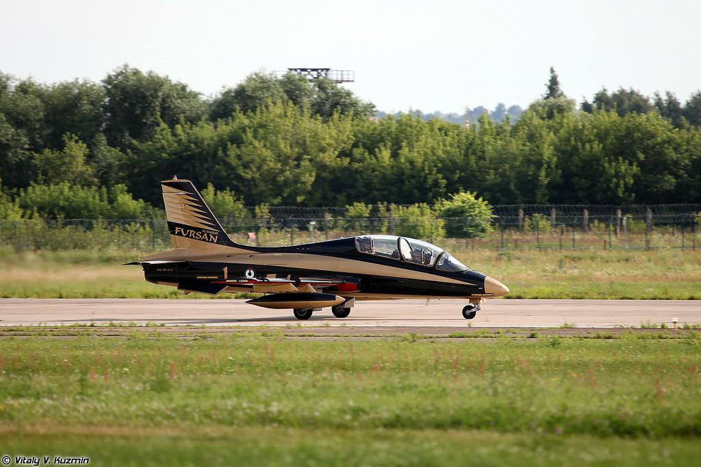 Пилотажная группа Al Fursan (Al Fursan aerobatics demonstration team)