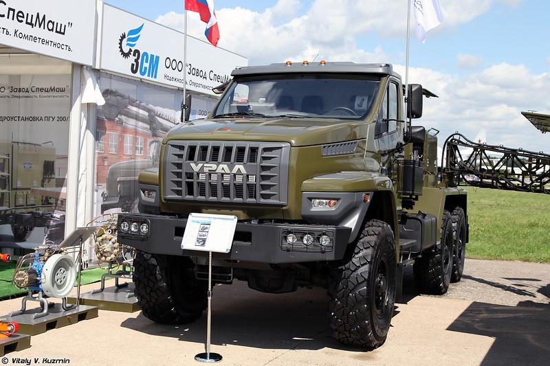 Аэродромный подвижной электроагрегат АПА-5ДМ-100 на шасси Ural NEXT (Ground mobile electrical unit APA-5DM-100 on Ural NEXT chassis)