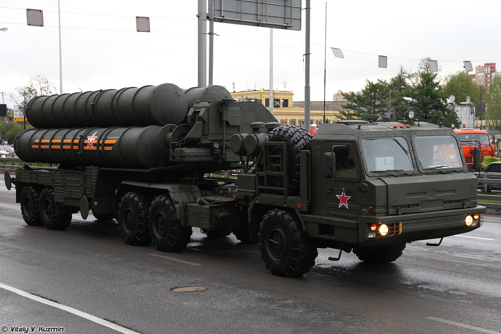 Пусковая установка ЗРC С-400 (TEL for S-400 missile system)