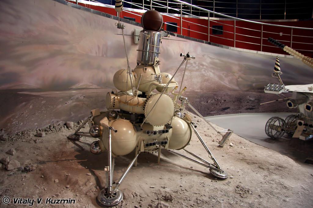 Автоматическая станция Луна-16. Масштаб 1:2 (Space station Luna-16. Scale 1:2)