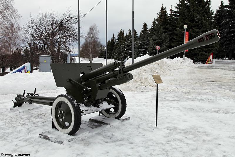 76-мм дивизионная пушка ЗИС-3 обр.1942 года (76mm divisional gun ZIS-3 M1942)