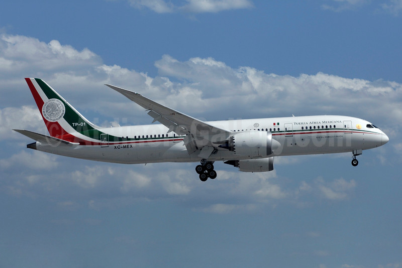 Fuerza Aerea Mexicana Boeing 787-8 Dreamliner TP-01 XC-MEX (msn 40695) YYZ (TMK Photography). Image: 933594.