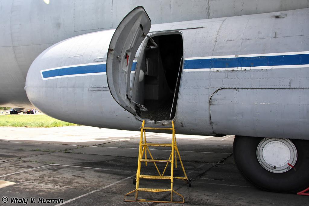 Ан-22 б/н RA-08832 (An-22 RA-08832 Black)