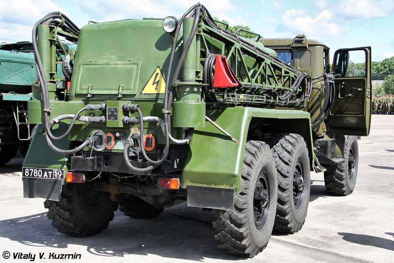 Аэродромный пусковой агрегат АПА-5Д (Ground starter APA-5D)