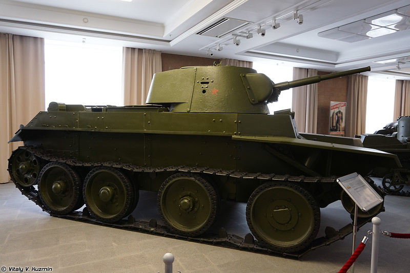 Легкий танк БТ-7 (BT-7 light tank)