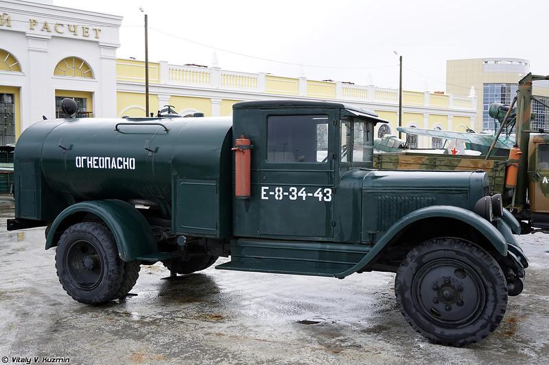 Топливозаправщик БЗ-39 (BZ-39 fuel truck)