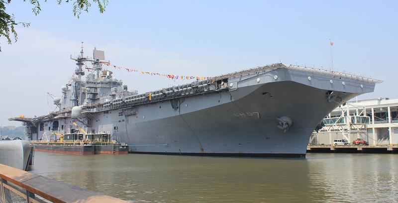 USS Iwo Jima LHD7