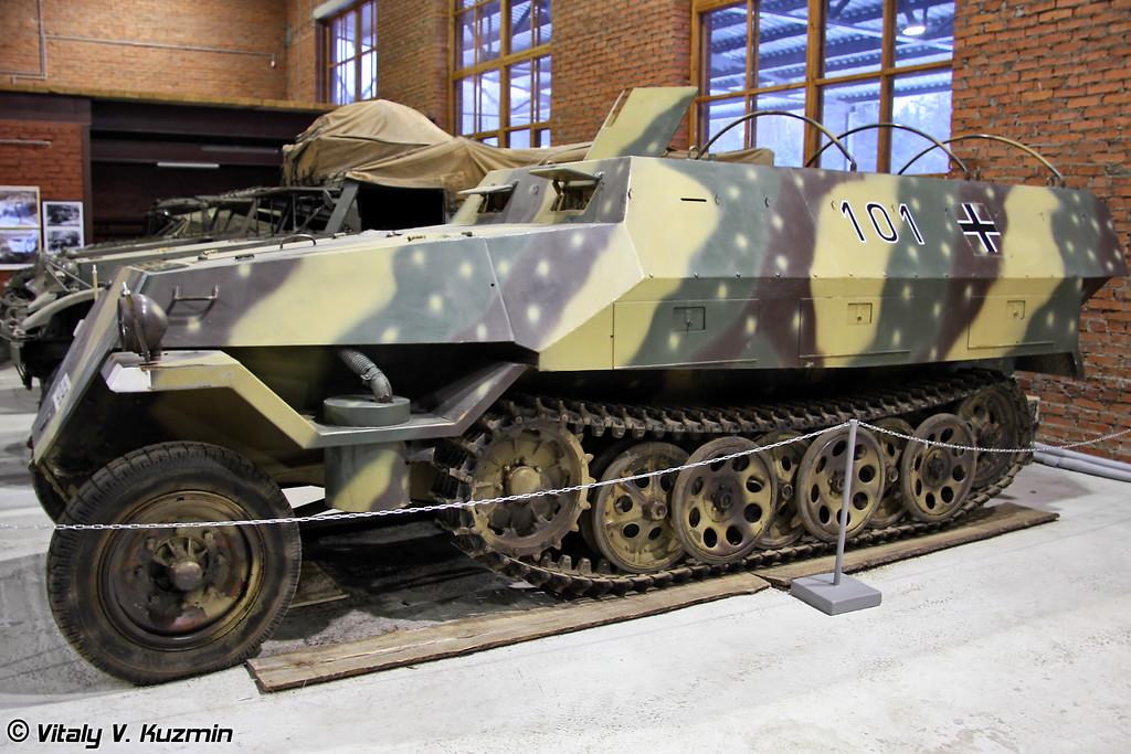 Полугусеничный бронетранспортёр Sd.Kfz.251 (Sd.Kfz.251 half-track personnel carrier)