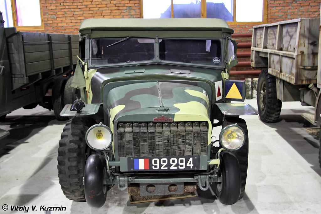 Артиллерийский тягач Hotchkiss W15 T (Hotchkiss W15 T artillery tractor)