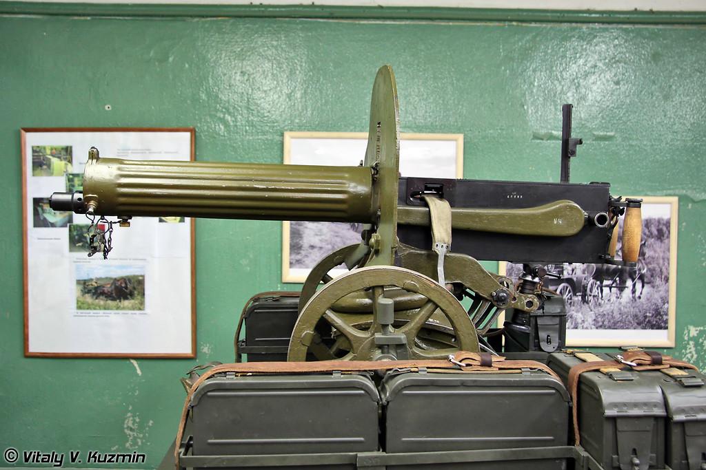 Тачанка с пулеметом Максима (horse-drawn machine gun platform Tachanka with Maksim machine gun)