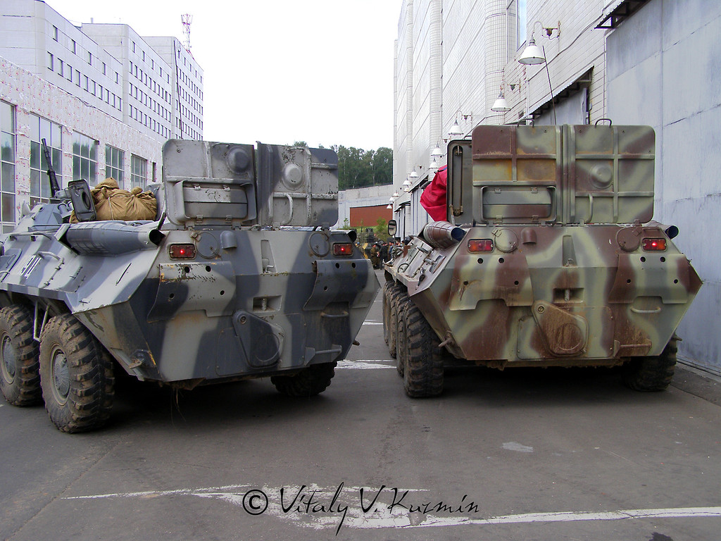 БТР-80 справа и БТР-80М (BTR-80 right and BTR-80M)