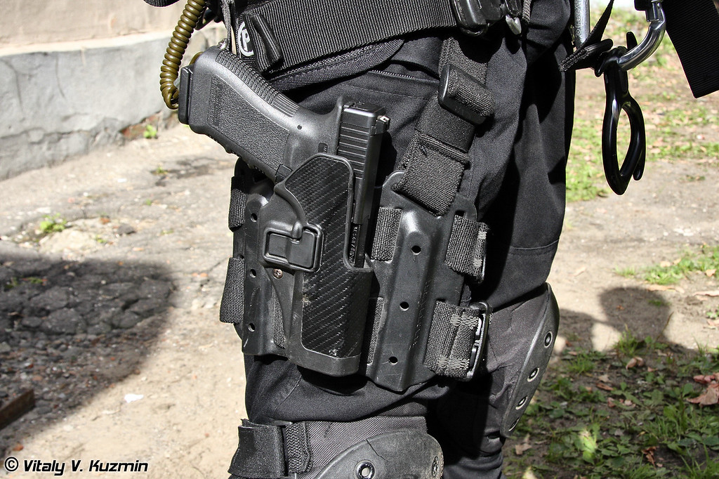 Кобура Blackhawk SERPA (Blackhawk SERPA holster for Glock)