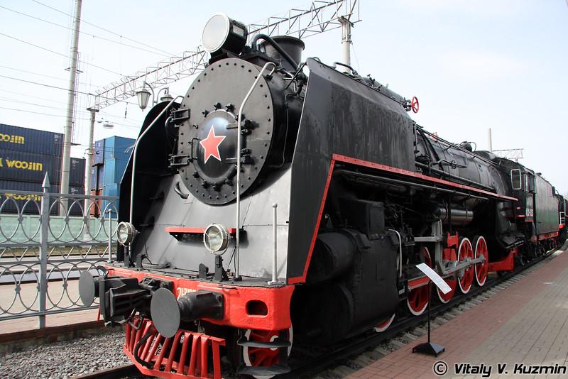 Паровоз ФД 21-3125 построен в 1941г. на Ворошиловградском тепловозостроительном заводе (FD 21-3125 Feliks Dzerzhinsky was built in 1941 by Voroshilovgrad locomotive-building plant)