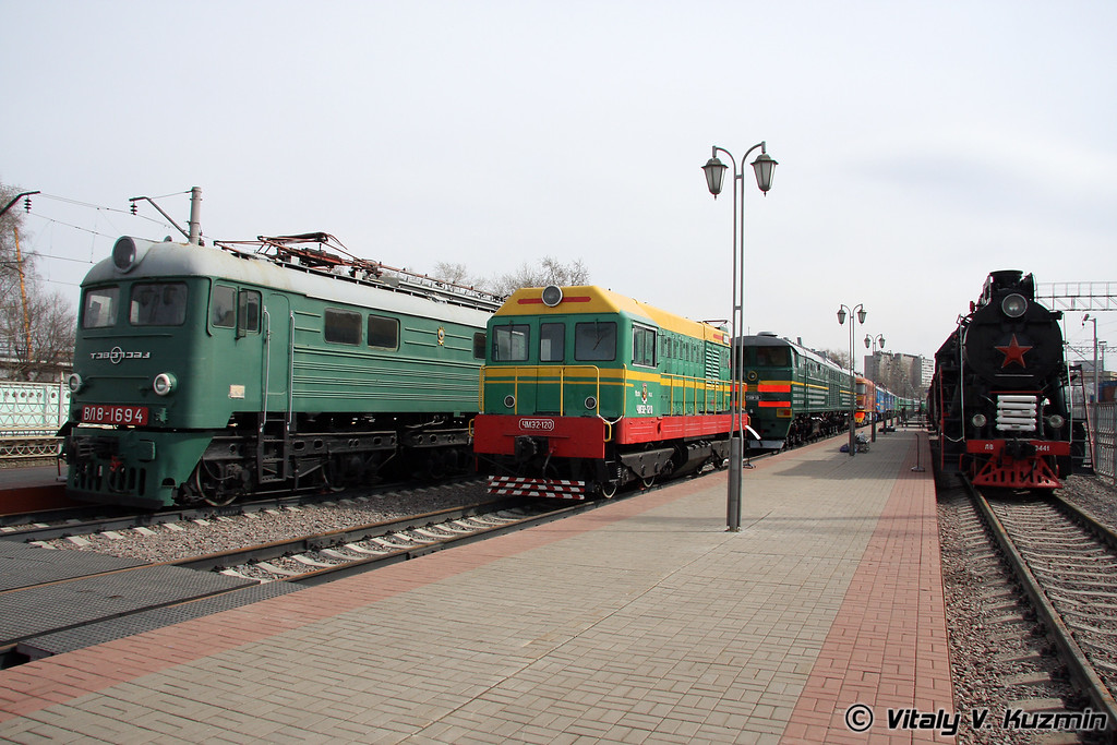 Электровоз, Тепловоз и Паровоз (Electric, diesel and steam locomotives)