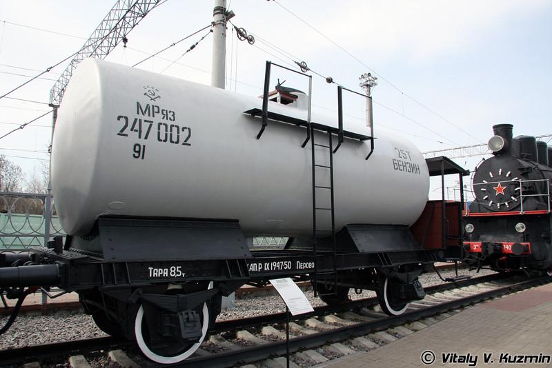 Двухосная цистерна с тормозной площадкой для перевозки бензина  1935 г. Германия (Fuel  tank)