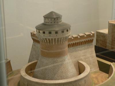 Muro di fortezza e torre, progetto di Leonardo
