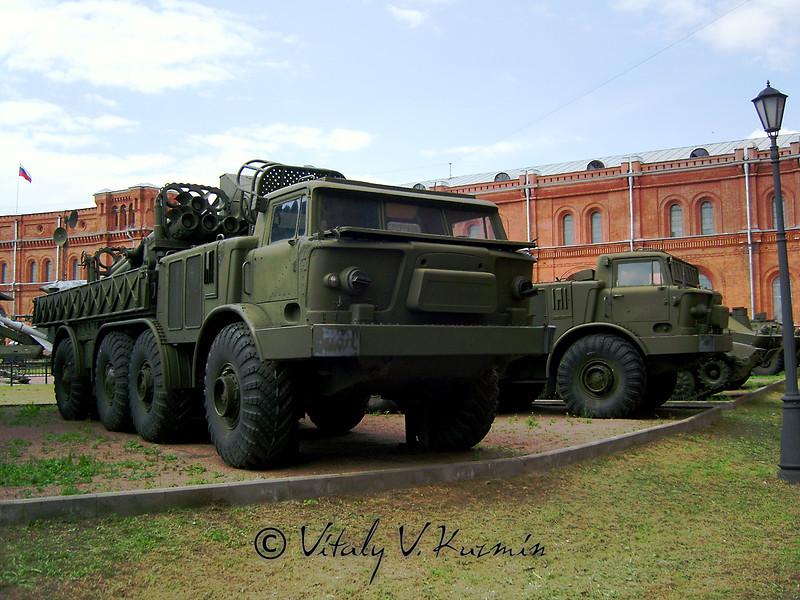 Транспортно-заряжающая машина 9Т452 (Re-supply vehicle 9T452)