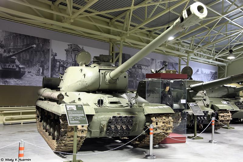 Тяжелый танк ИС-2 (IS-2 heavy tank)