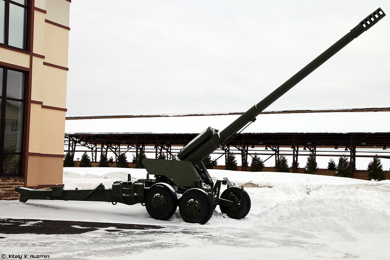 152-мм пушка 2А36 Гиацинт-Б (152 mm gun 2A36 Giatsint-B)