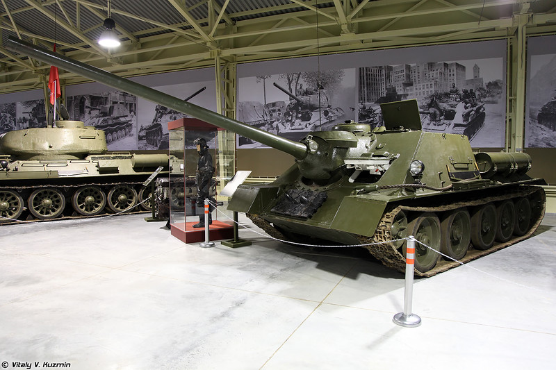 Самоходно-артиллерийская установка СУ-100 (SU-100 self-propelled gun)
