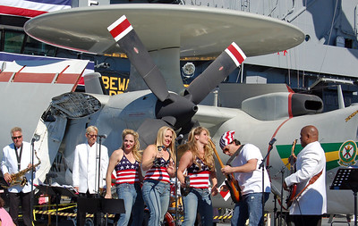 """Country Rock group """"Energy"""" perform for 4000 Visitors"""