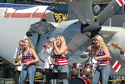 These Singers Rocked the Flight Deck