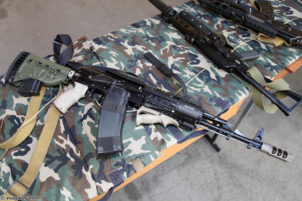 АК-74М с тюнингом от FAB Defence и Зенит (AK-74M with FAB Defense and Zenit parts)