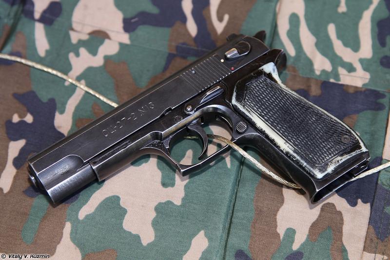 9х19 пистолет ОЦ-27-2 Бердыш (9x19 pistol OTs-27-2 Berdysh)