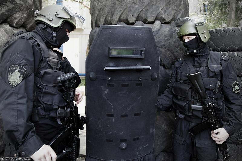 Бронещит БОН-6 от Армокома. (Armored shield BON-6 from Armocom company)