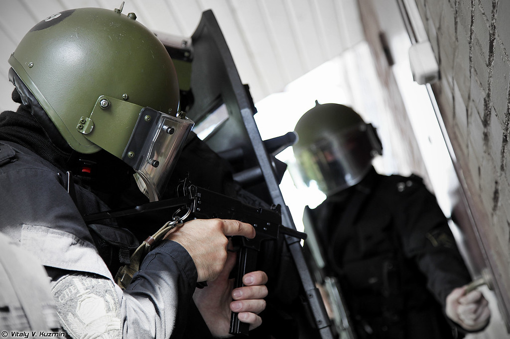 Пистолет-пулемет ПП-91 Кедр. (PP-91 Kedr submachine gun)