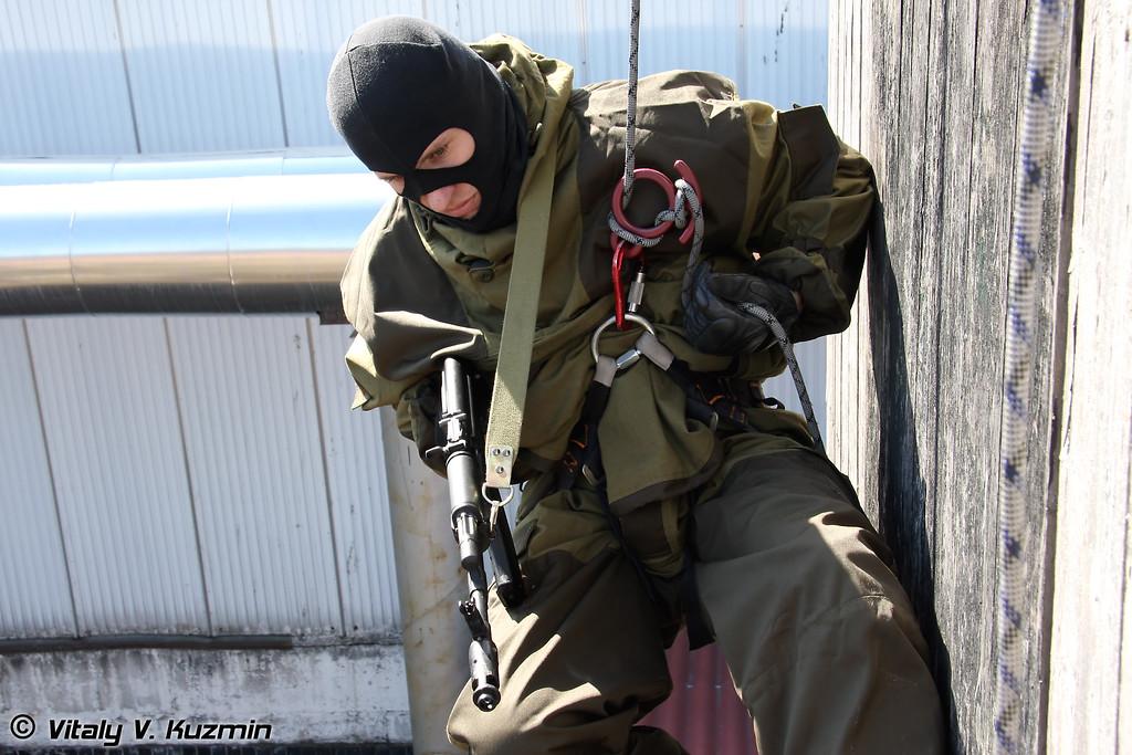 Высотная подготовка спецподразделения ОСН Сатурн УФСИН России по г.Москве (OSN Saturn special unit rappelling)