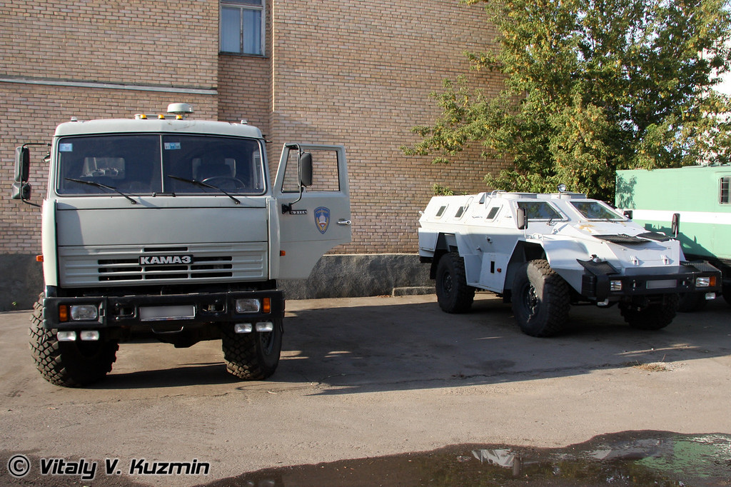 КАМАЗ-43114 и КАМАЗ-43269 Выстрел (KAMAZ-43114 and KAMAZ-43269 Vystrel)