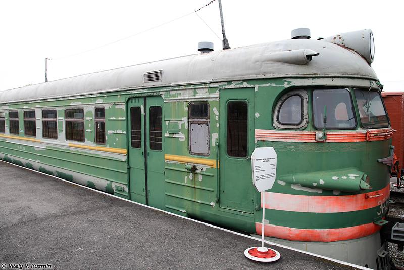 Головной вагон электропоезда ЭР2-963(09) (ER2-963(09) electric locomotive)