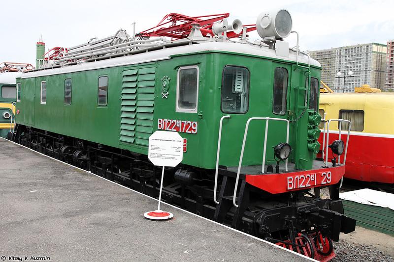 Грузовой электровоз ВЛ22м-1729 (VL22m-1729 electric locomotive)